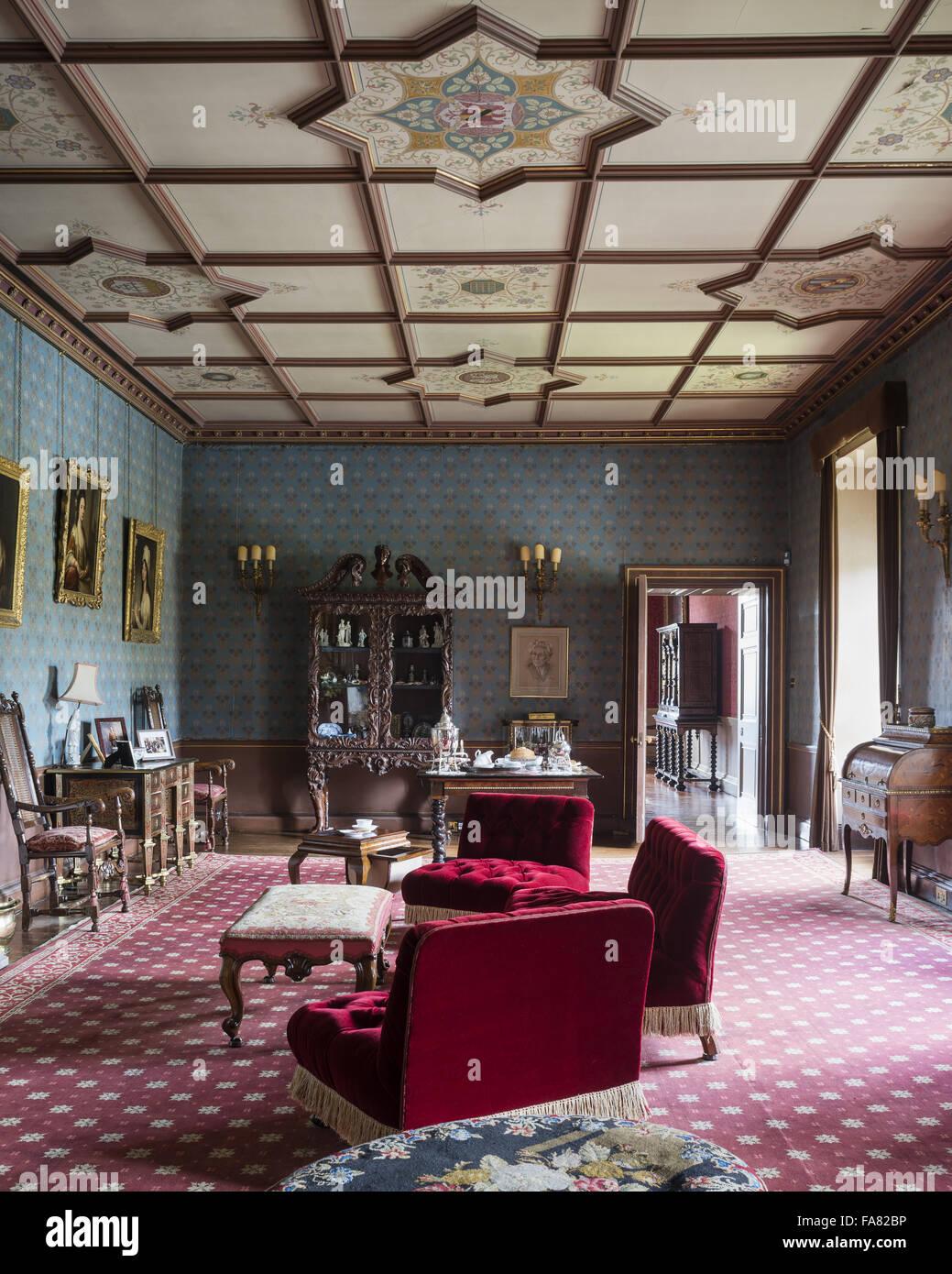 Blick auf den Westen Salon, Oxburgh Hall, Norfolk. Ein Großteil der ...