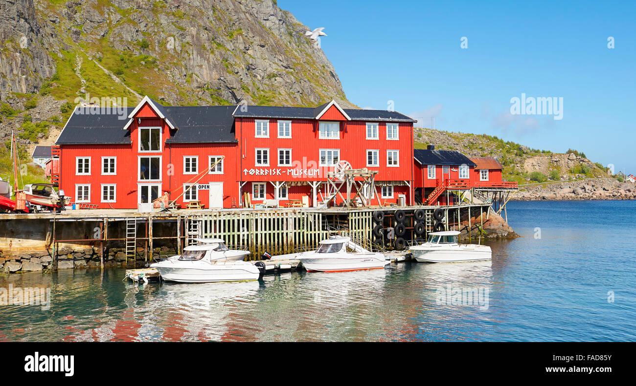 Traditionellen rot bemalte Häuser, Lofoten Inseln, Norwegen Stockbild