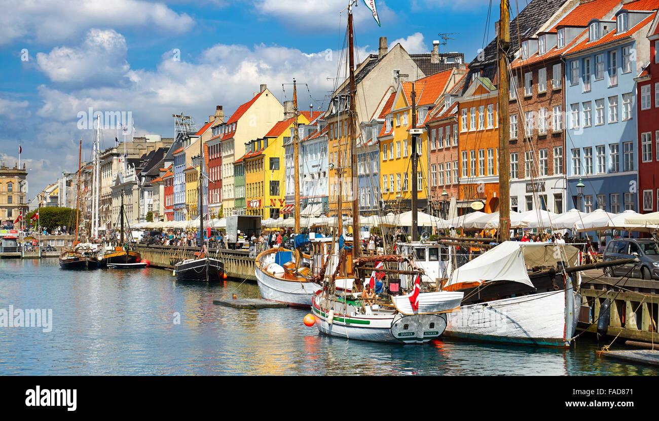 Kopenhagen, Dänemark - das Boot in Nyhavn Kanal Stockbild