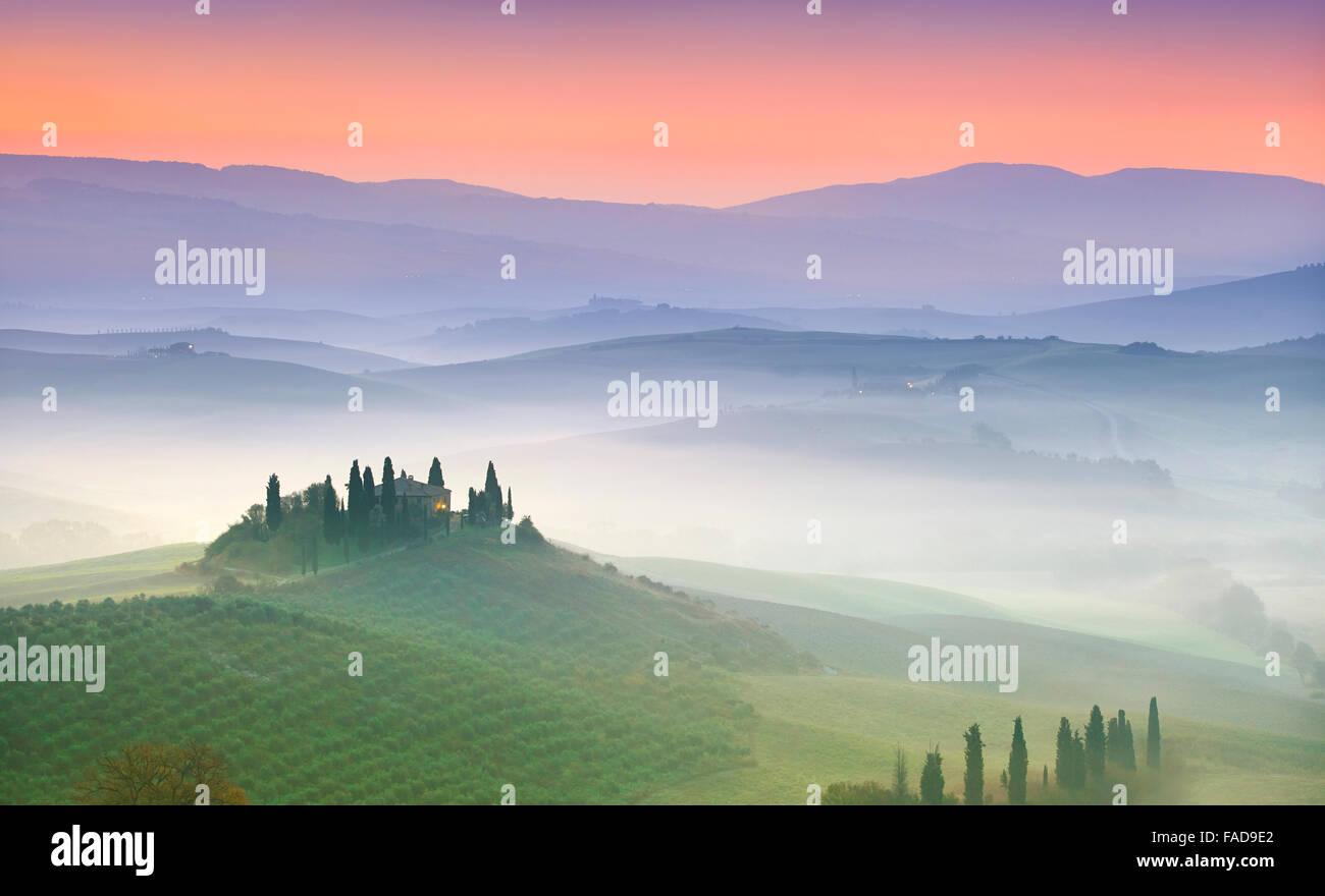 Typische Toskana Landschaft, Val Dorcia in der Morgendämmerung, Italien Stockbild