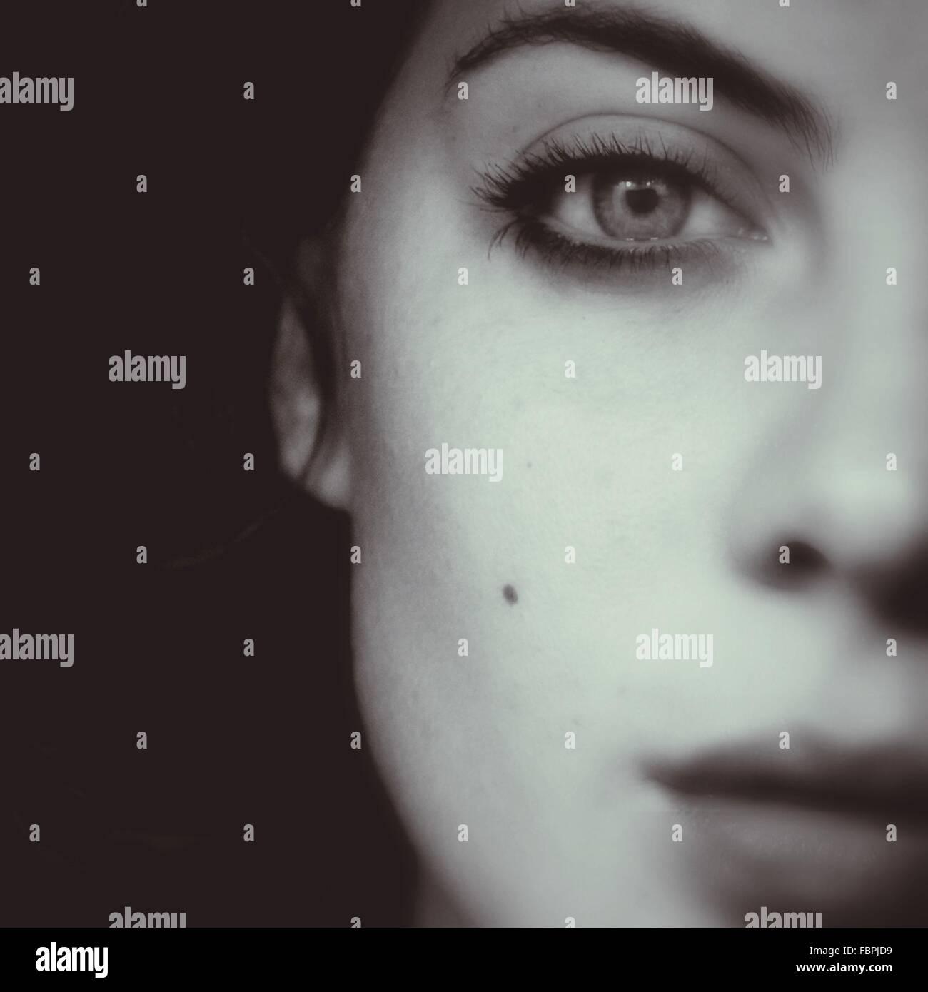 Close Up Portrait der jungen Frau Stockbild