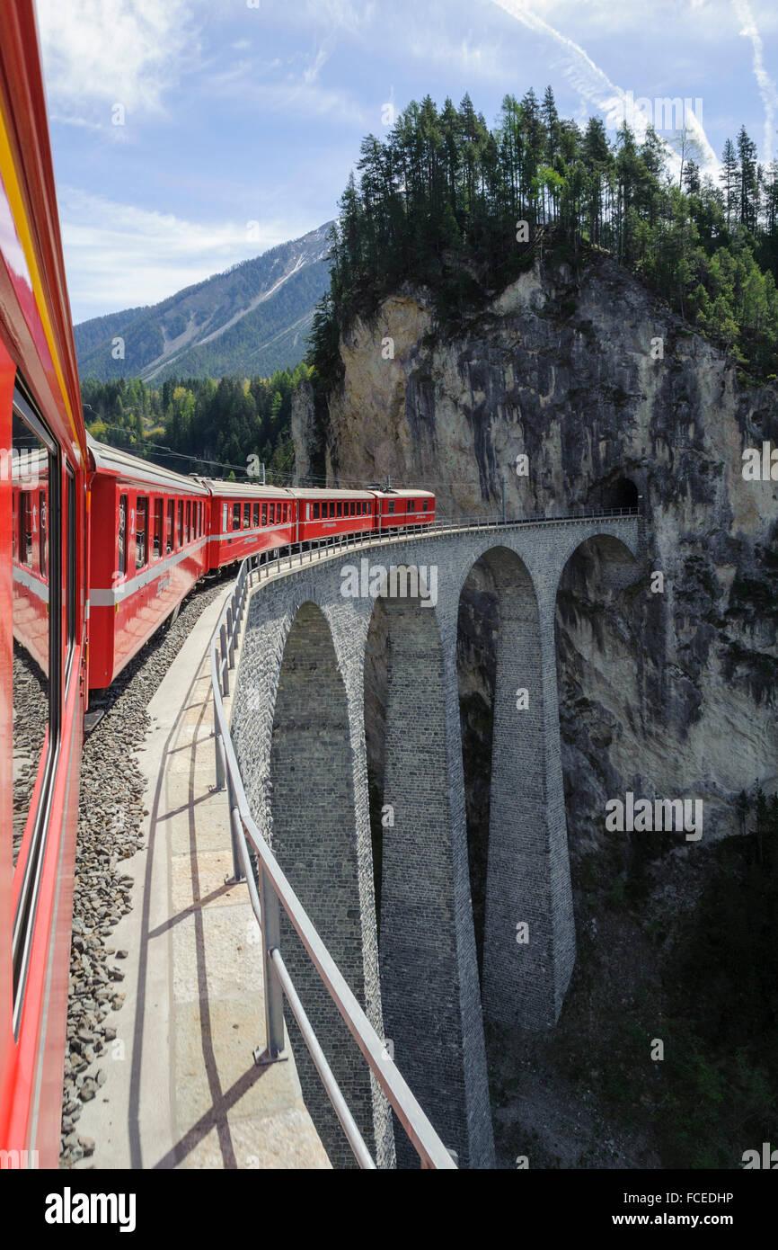 Landwasser Viadukt, Albula, UNESCO World Heritage Site Rhätische Bahn in der Albula, Kanton Graubünden, Stockbild