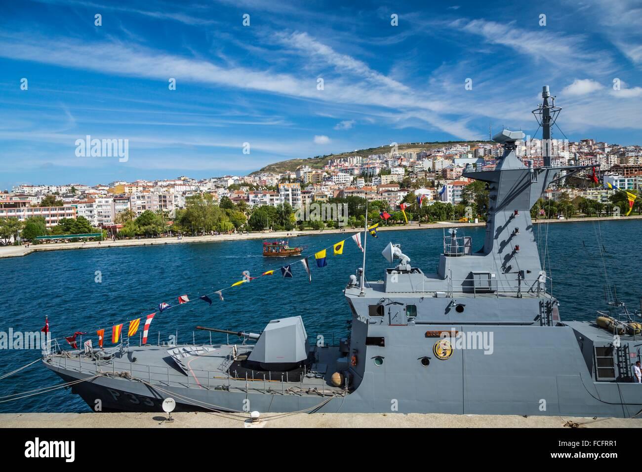 Eine türkische Militärschiff im Schwarzen Meer Hafen Stadt Sinop, Türkei. Stockbild
