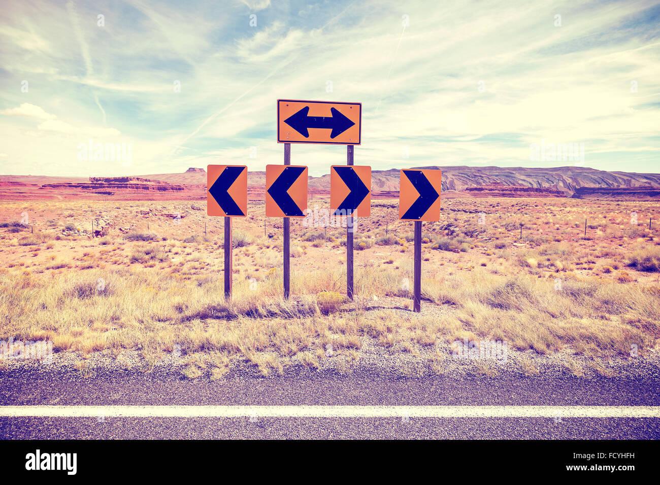 Vintage stilisierte Foto von Verkehrszeichen, Wahl-Konzept. Stockbild