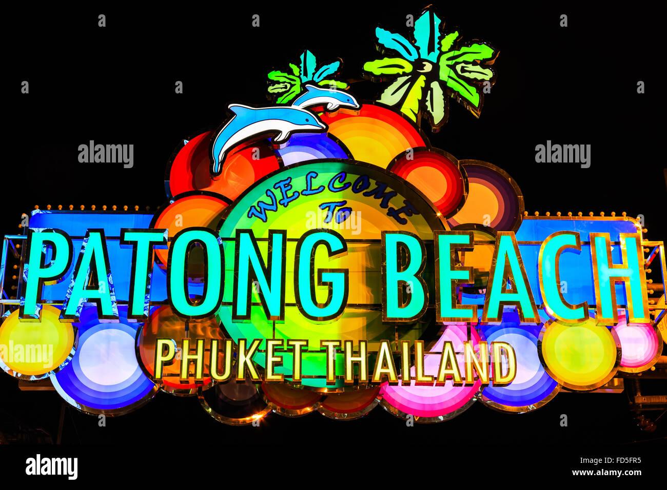 Thailand, Phuket. Leuchtreklame an der Bangla Road, Patong Phuket. Stockbild