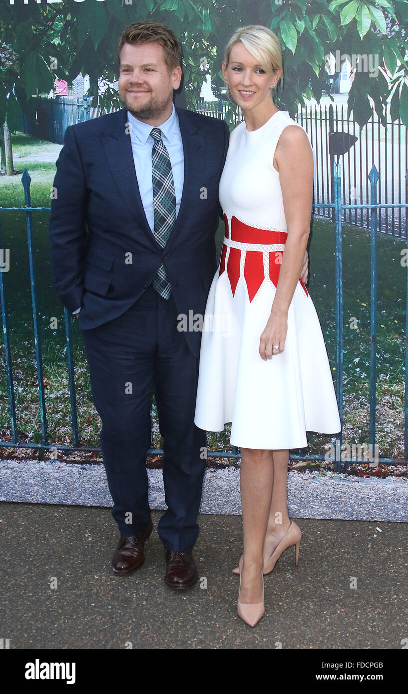 2. Juli 2015 - London, England, UK - James Corden und Julia Carey Teilnahme an The Serpentine Gallery Summer Party, Stockbild