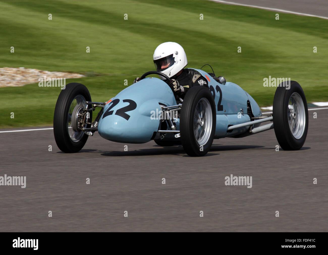 Simon Frost eine Martin-Norton beim Goodwood Revival 2015 in The Earl Of März racing Trophy. Stockbild