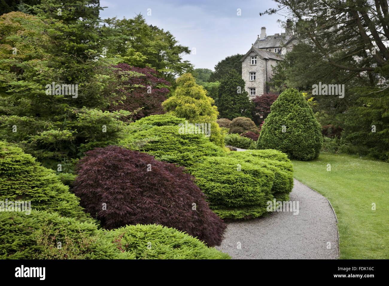 der steingarten im juni in sizergh castle in der n he von. Black Bedroom Furniture Sets. Home Design Ideas