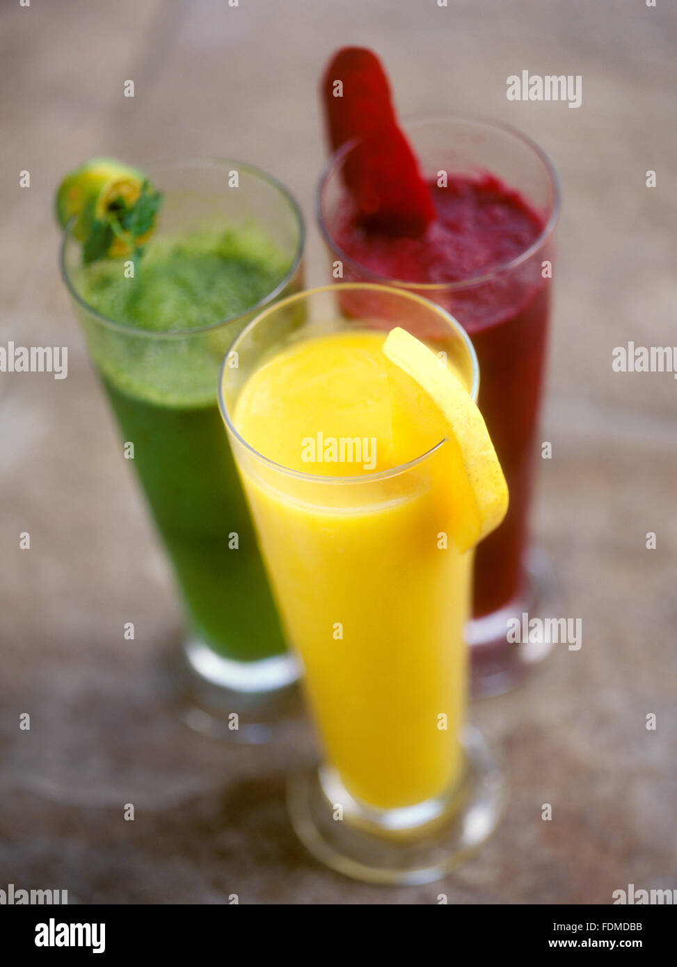 Ein Trio von Slush Getränke im Mandala Spa, Insel Boracay, Philippinen. Von oben links: Calamansi und Minze, Stockbild