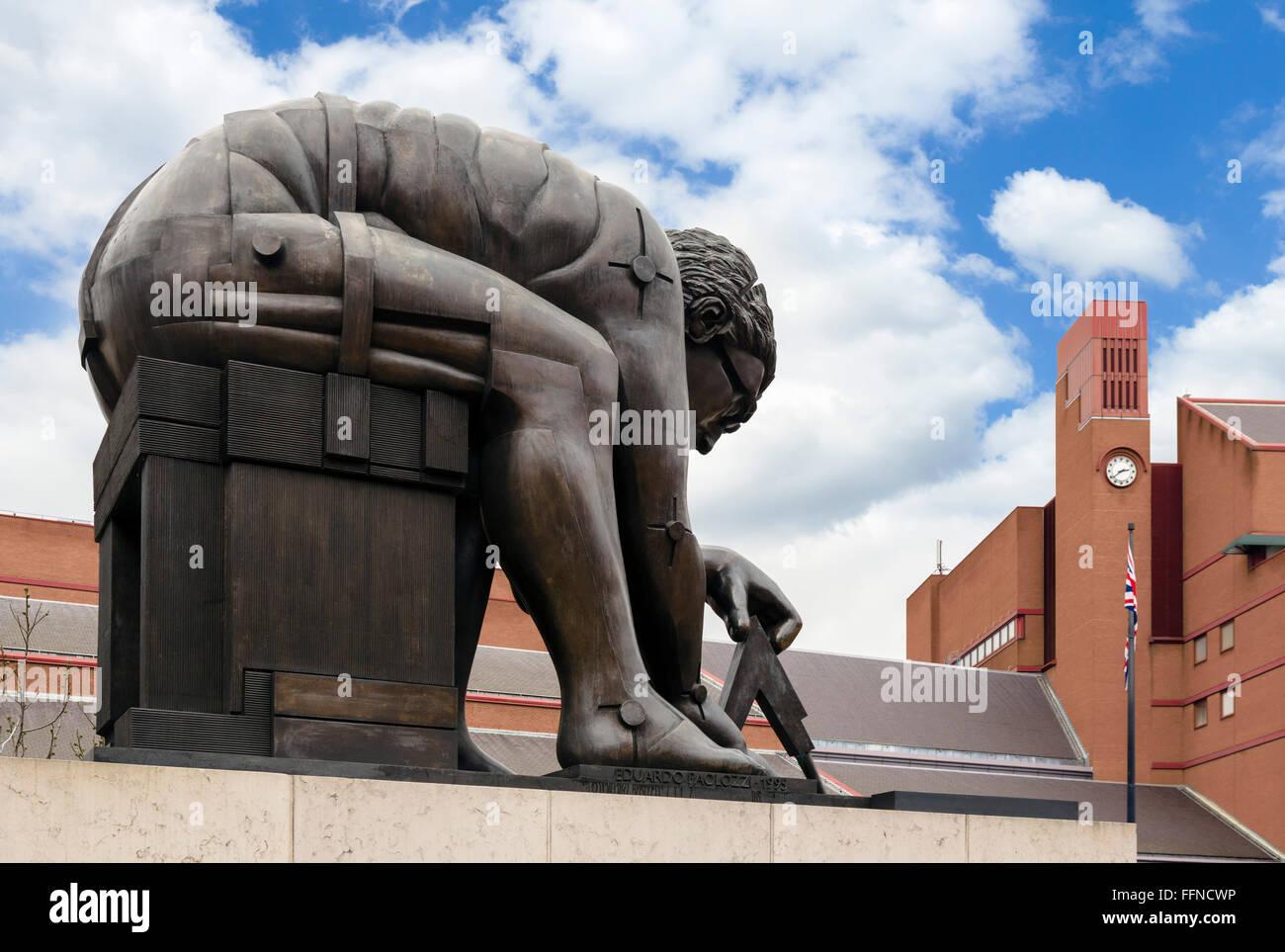 "Eduardo Paolozzi Statue ""Newton"" außerhalb der British Library, London, England, UK Stockbild"