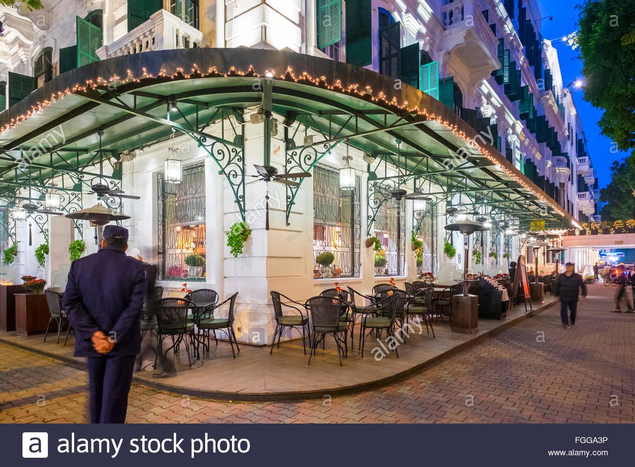 Sofitel Legend Metropole Hotel in der Nacht, Hanoi, Vietnam Stockbild