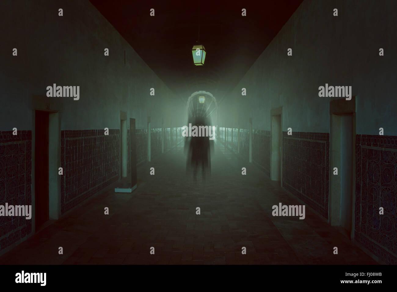 Böse Schatten in haunted Gebäude. Halloween und Horror Töne Stockbild