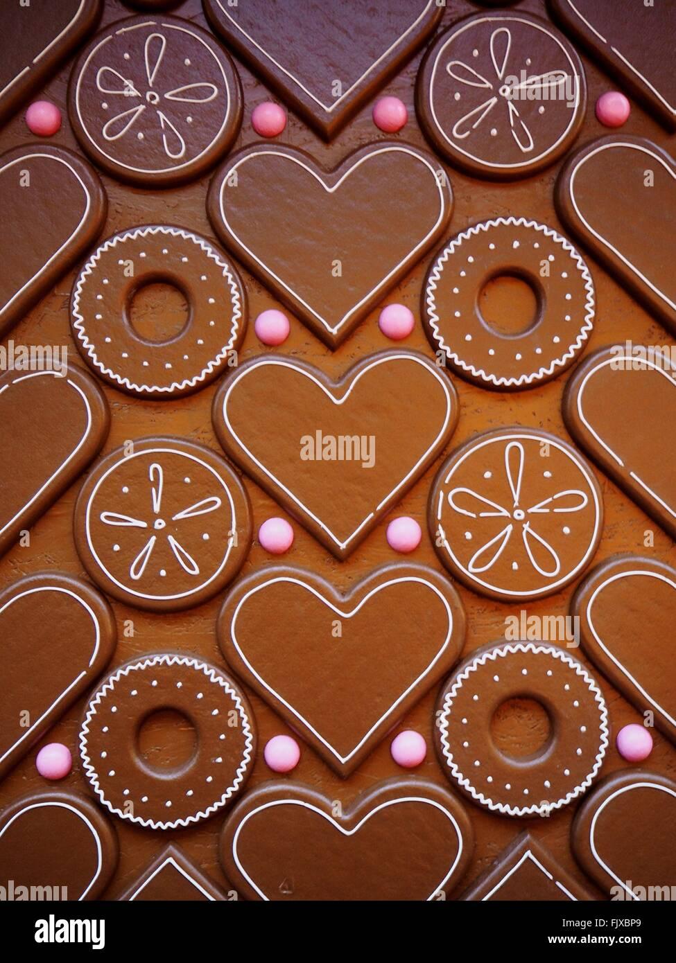 Full-Frame-Schuss von Herz und Kreis geformte Schokolade Stockbild
