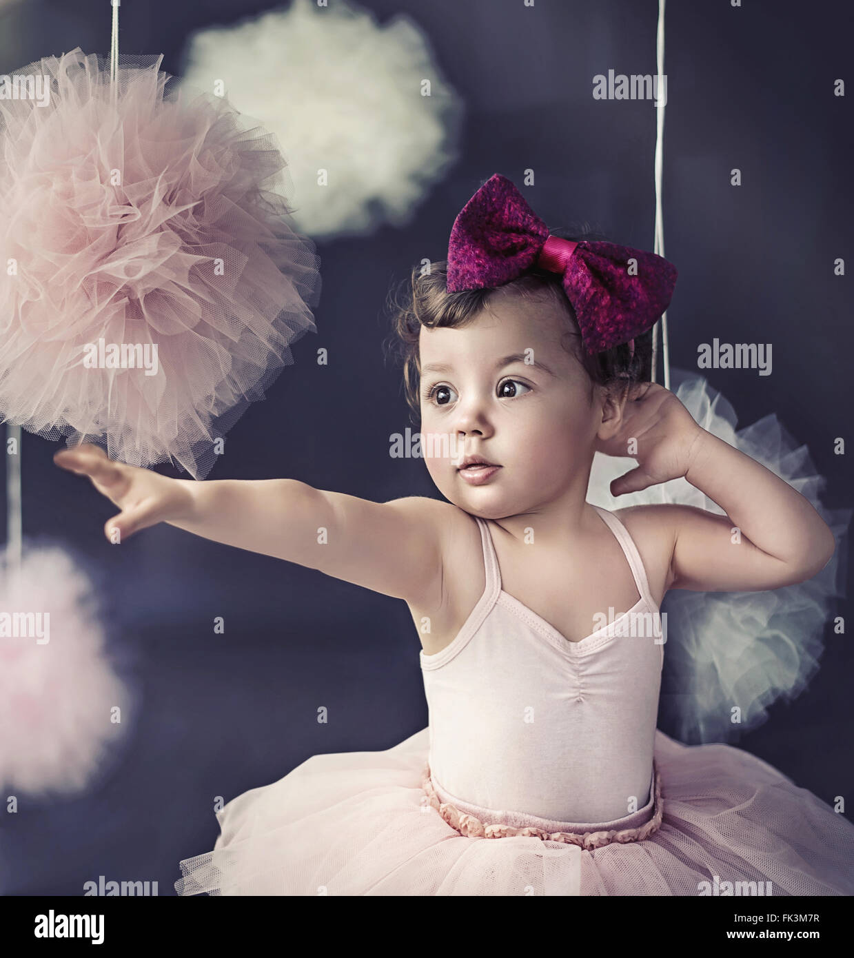 Porträt eines schönen Babys tragen eine rote polnische Band Stockbild