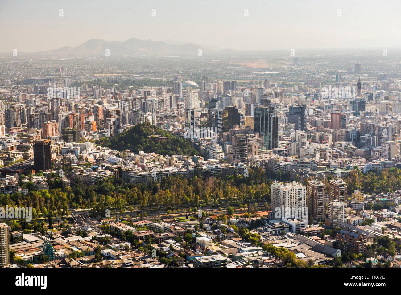 Santiago, gesehen von San Cristóbal (Cerro San Cristobal), Barrio Bellavista (Bellavista Nachbarschaft), Santiago, Stockbild