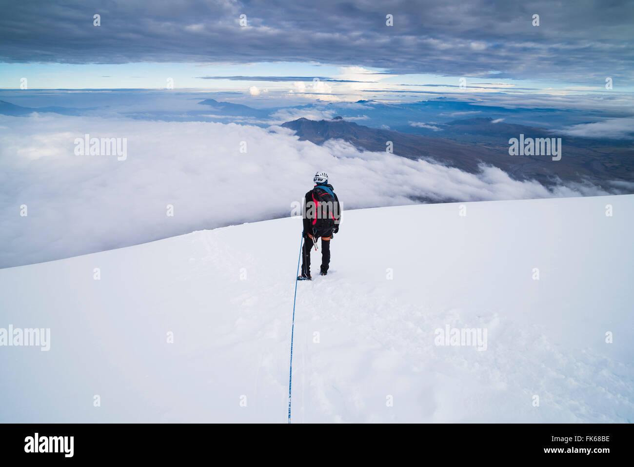 Kletterer am oberen Rand Vulkan Cotopaxi, Provinz Cotopaxi in Ecuador, Südamerika Stockbild