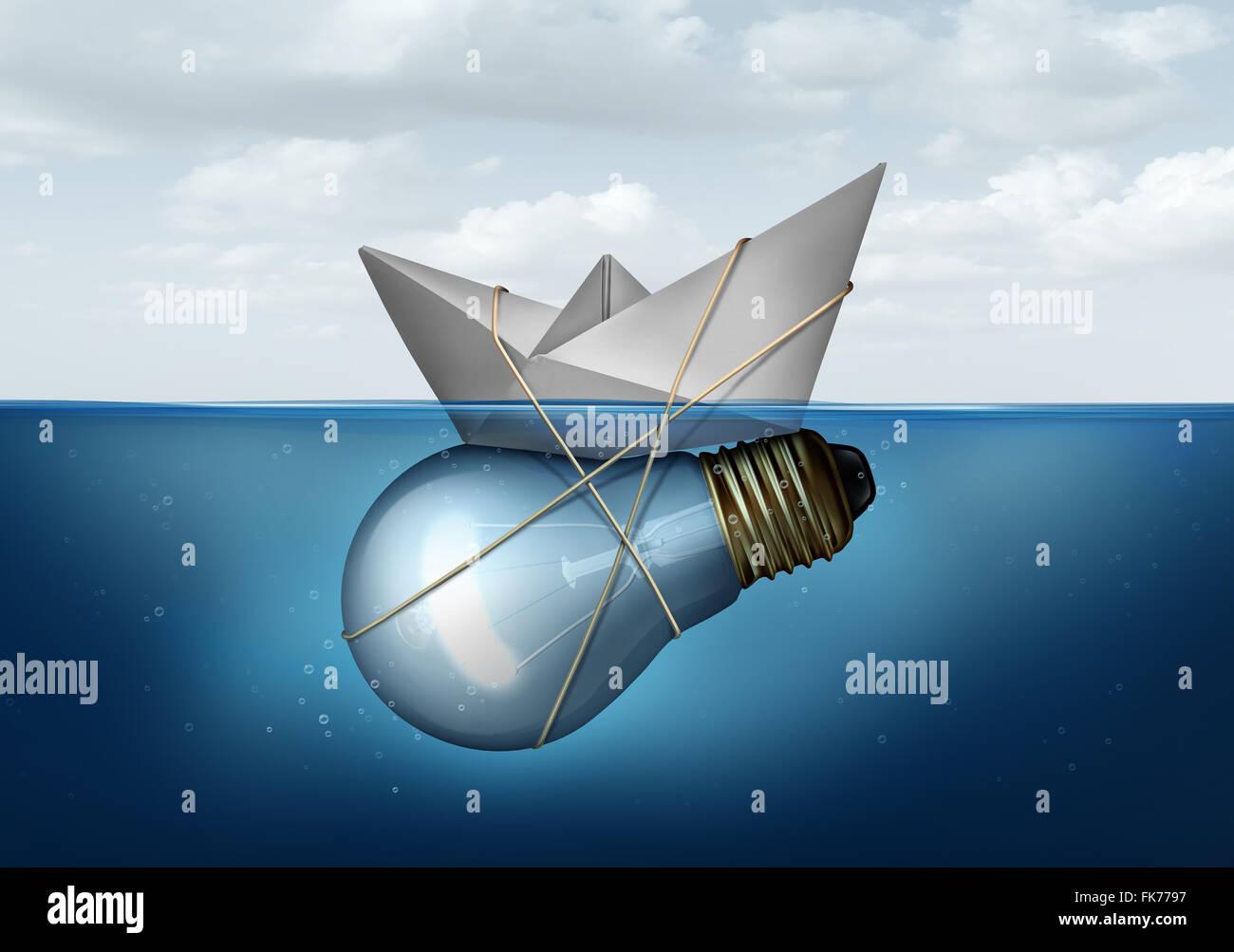 Innovative Businesslösung und kreatives Konzept als ein Papierschiff gebunden an eine Glühlampe oder Glühbirne Stockbild