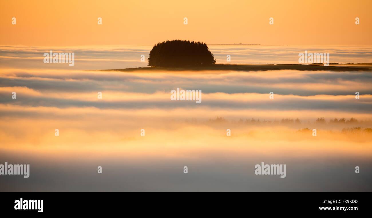 niedrige Wolken über Exmoor National Park, Somerset, England, UK Stockbild
