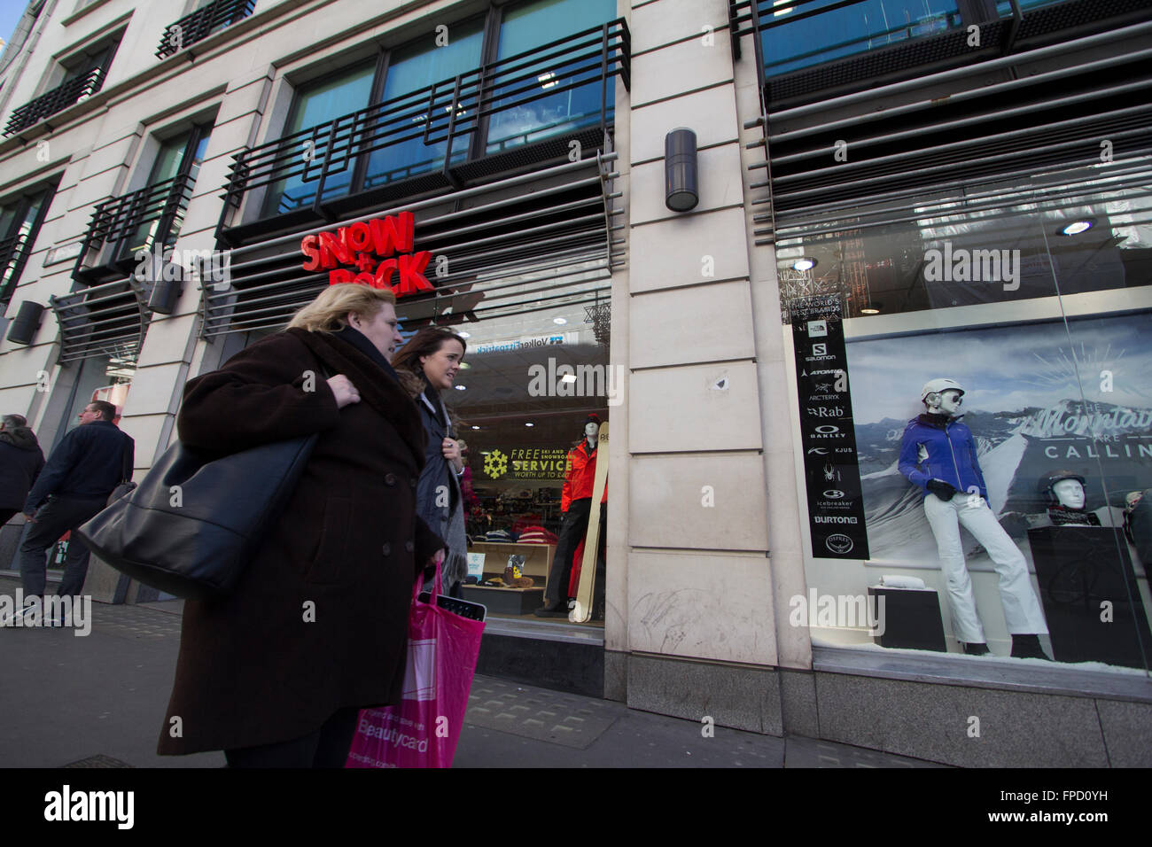 Schnee und Fels Outdoorsport retail Outlet, London, UK Stockbild