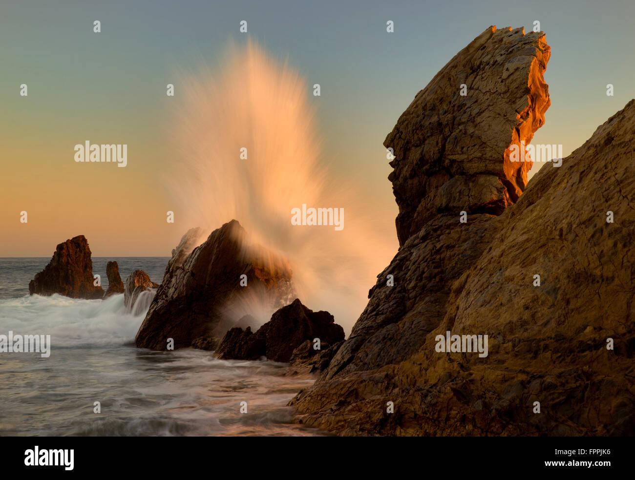 Brechenden Welle. Corona Del Mar Kalifornien Stockbild
