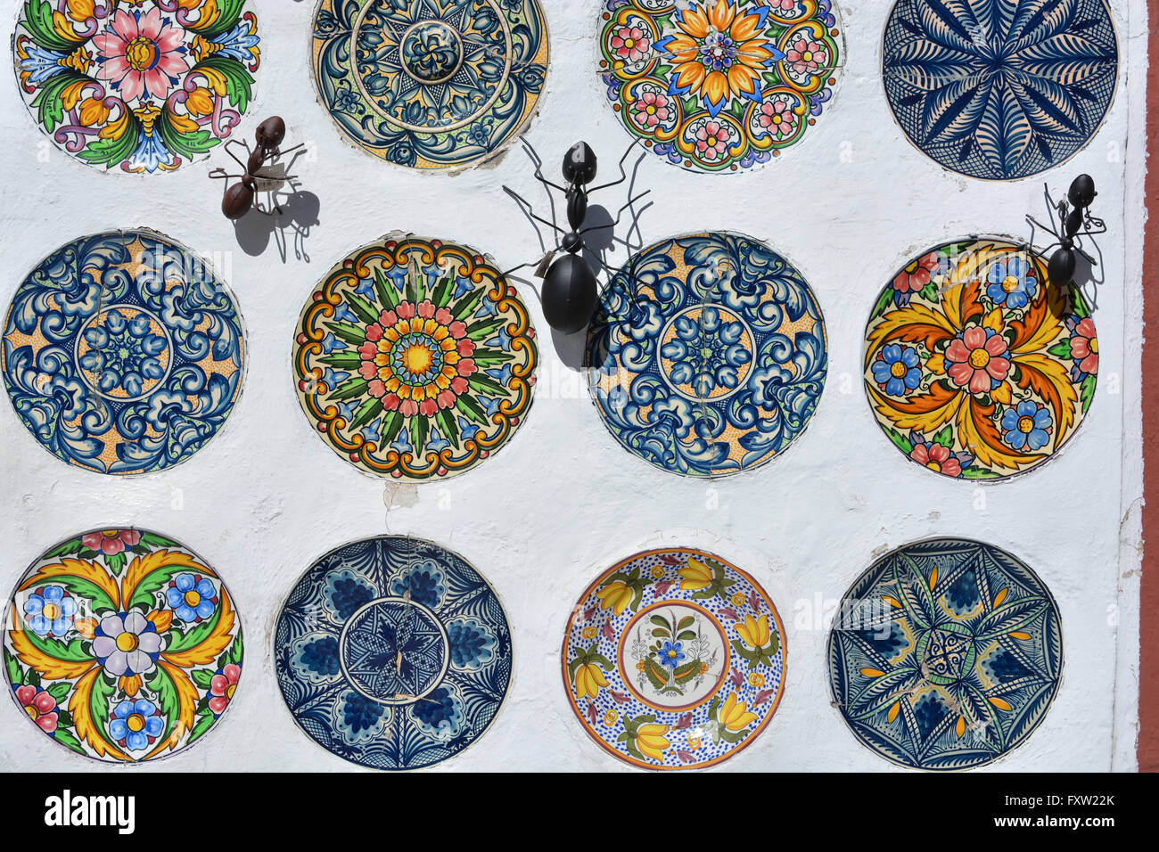 Metal souvenirs stockfotos metal souvenirs bilder alamy - Ameisen in der wand ...