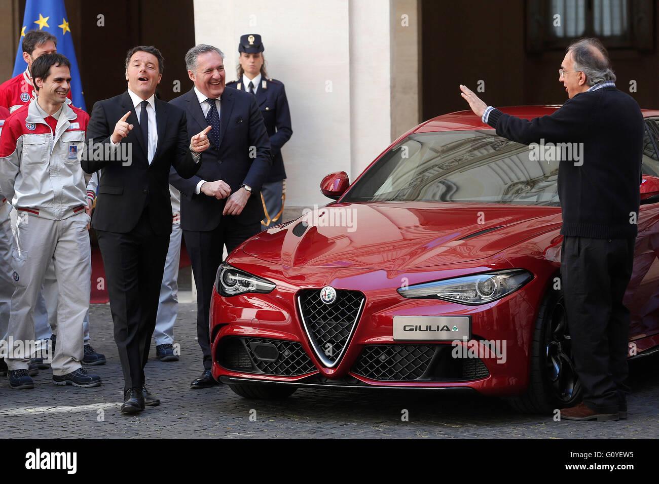Rom, Italien. 5. Mai 2016. Matteo Renzi und Sergio Marchionne Rom 5. Mai 2016. Präsentation der neuen Giulia Stockbild