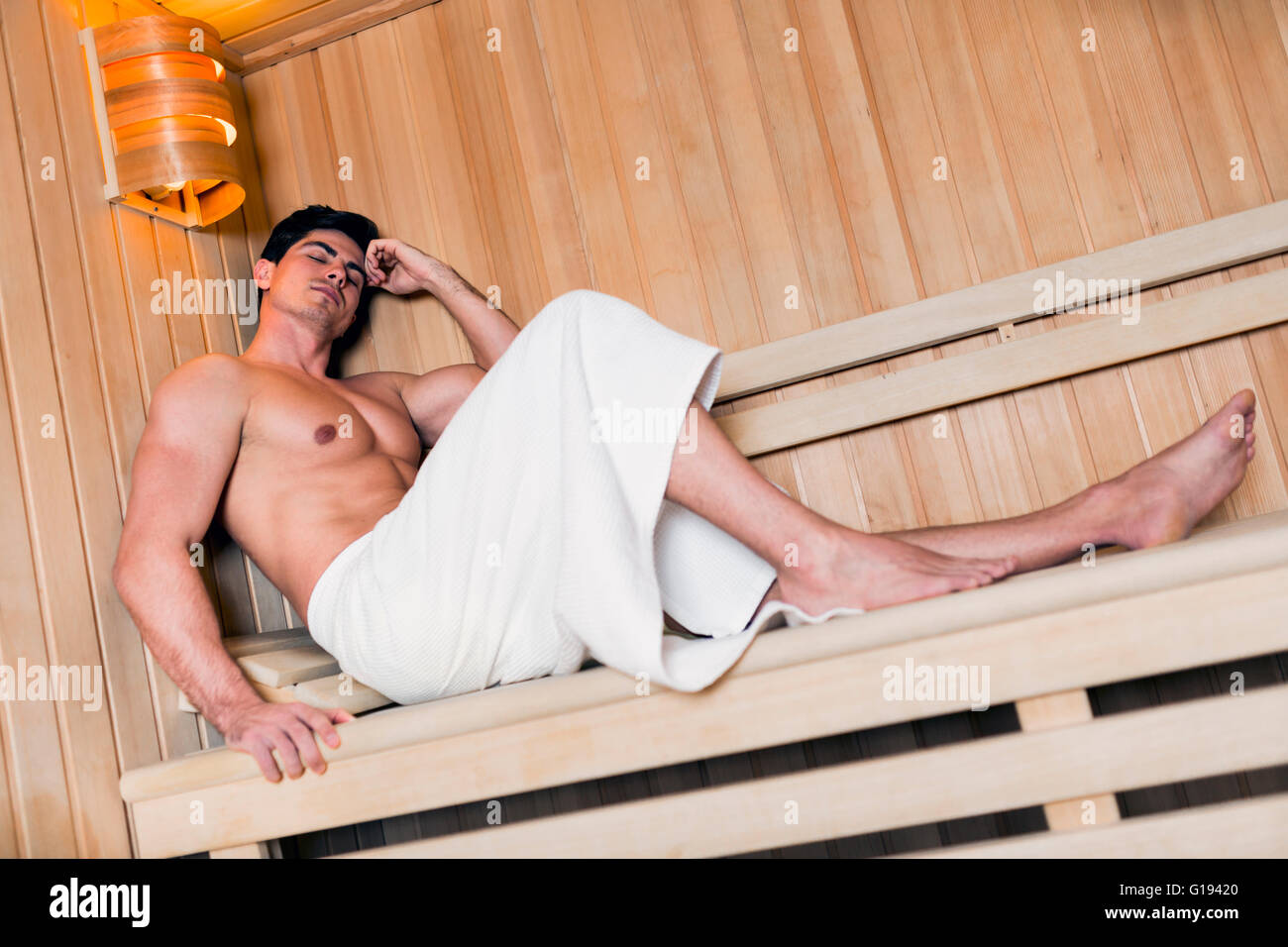 man towel around waist stockfotos man towel around waist bilder alamy. Black Bedroom Furniture Sets. Home Design Ideas
