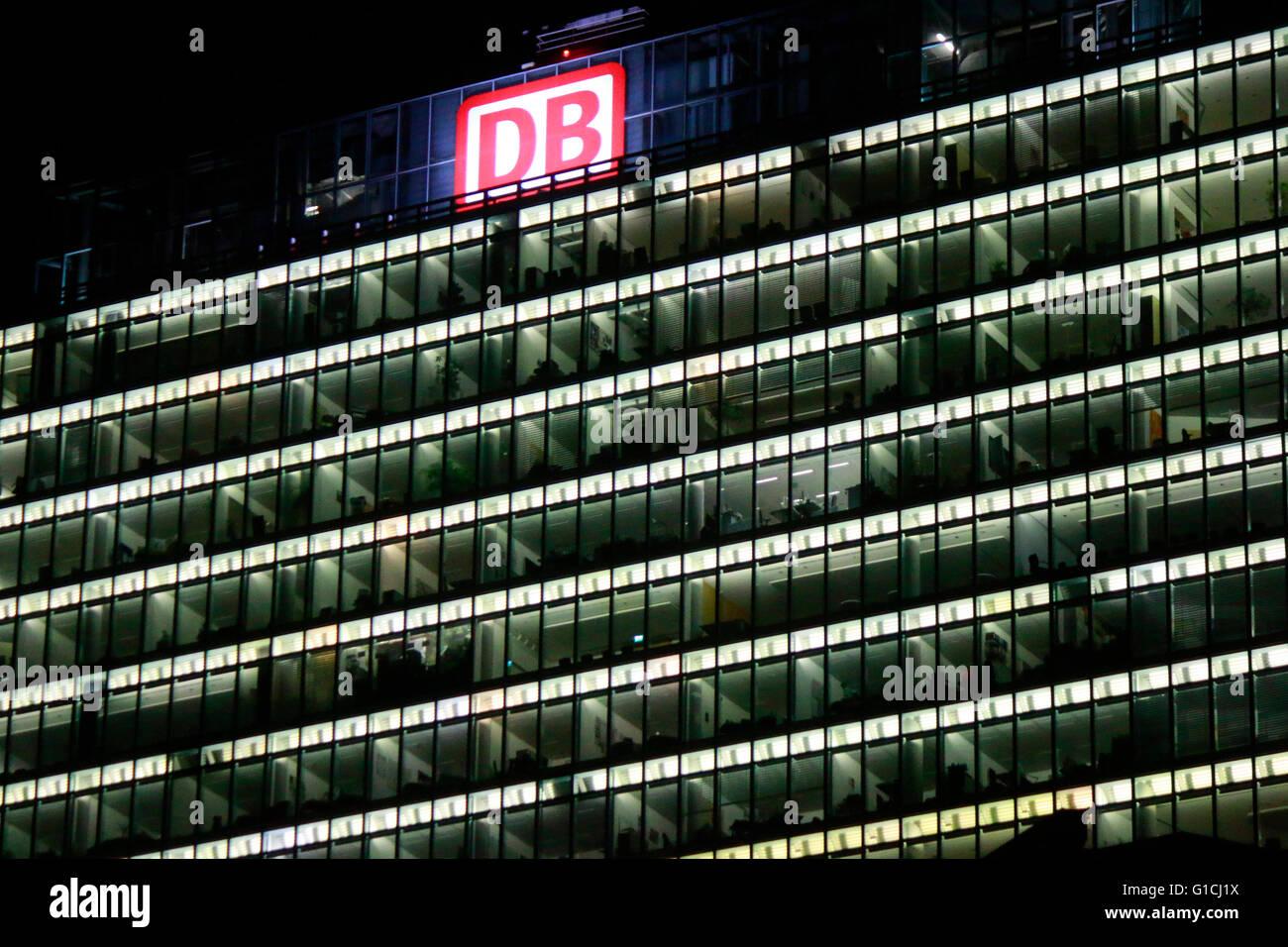 """Das Logo der Marken """"Db Deutsche Bahn"""", Berlin. Stockbild"""
