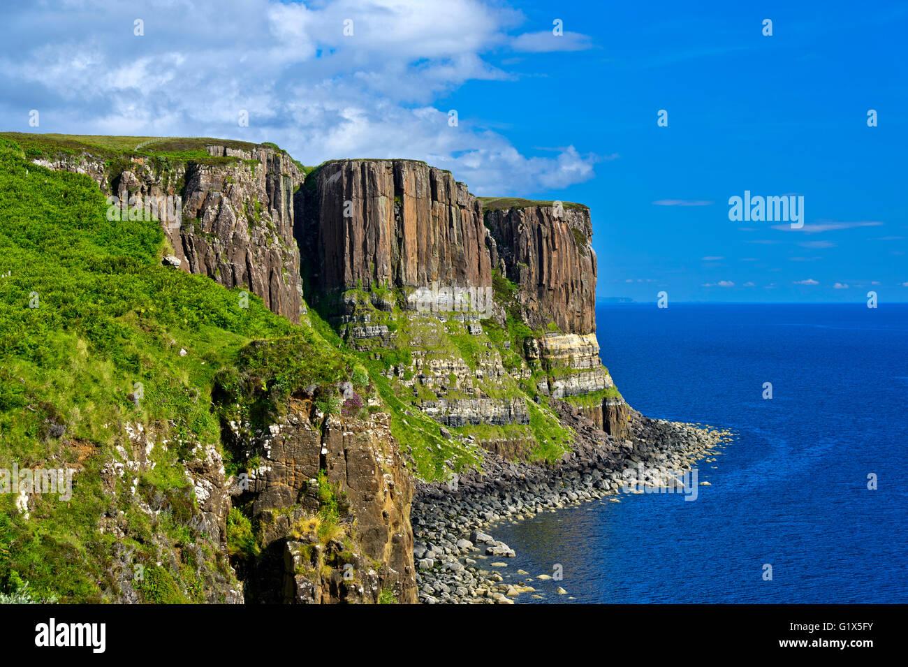 Kilt Rock Basaltfelsen in der Nähe von Staffin, Isle Of Skye, Schottland, Großbritannien Stockbild
