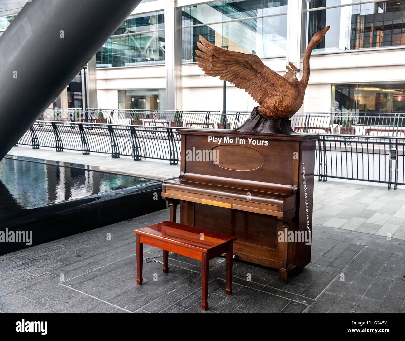 Eine der viele Klaviere in Play Me I 'm Yours, ein globales Kunstwerk des britischen Künstlers Luke Jerram, Stockbild
