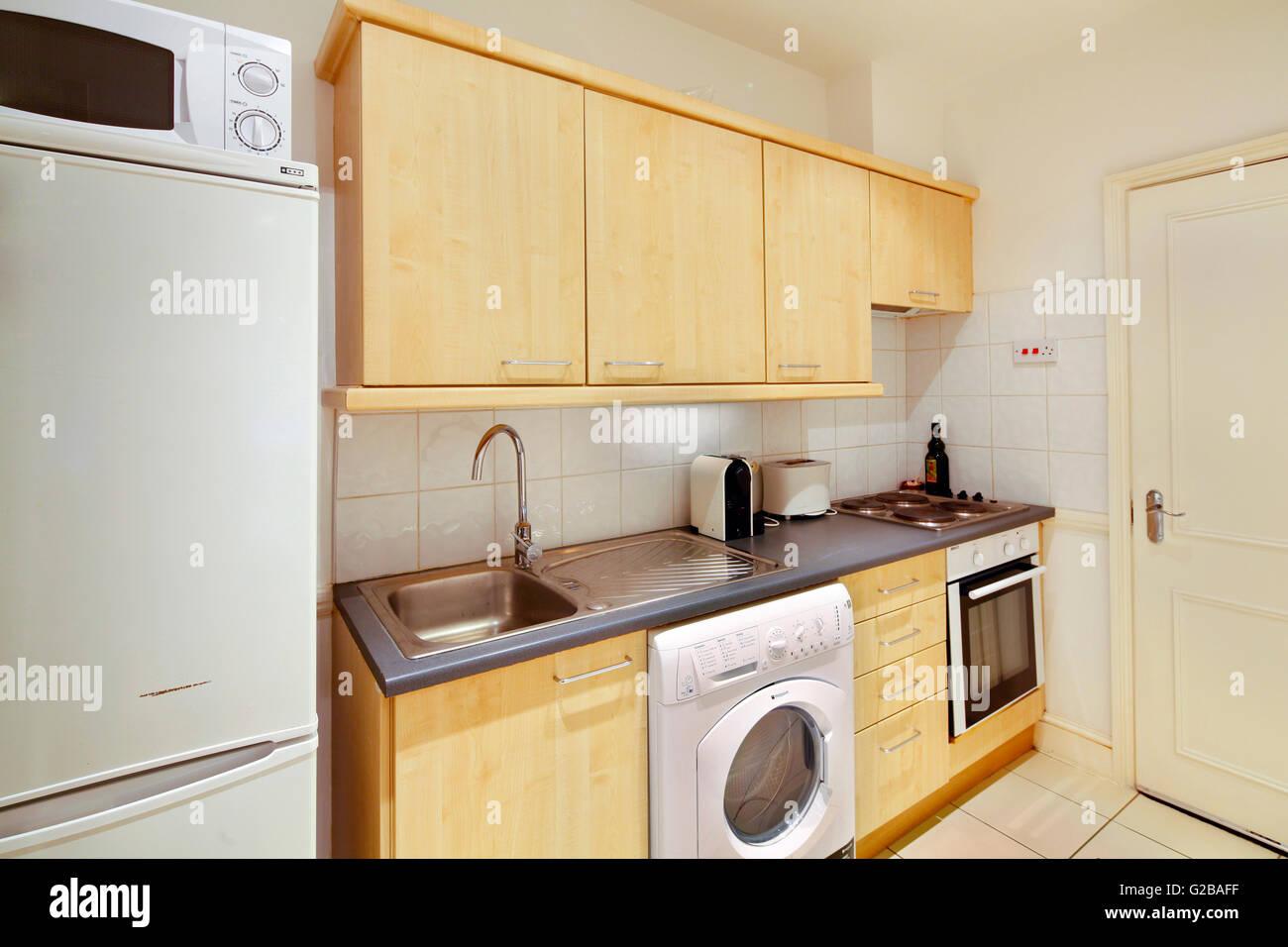 Harrington Gärten. Blick auf eine veraltete getragen Küche. Stockbild