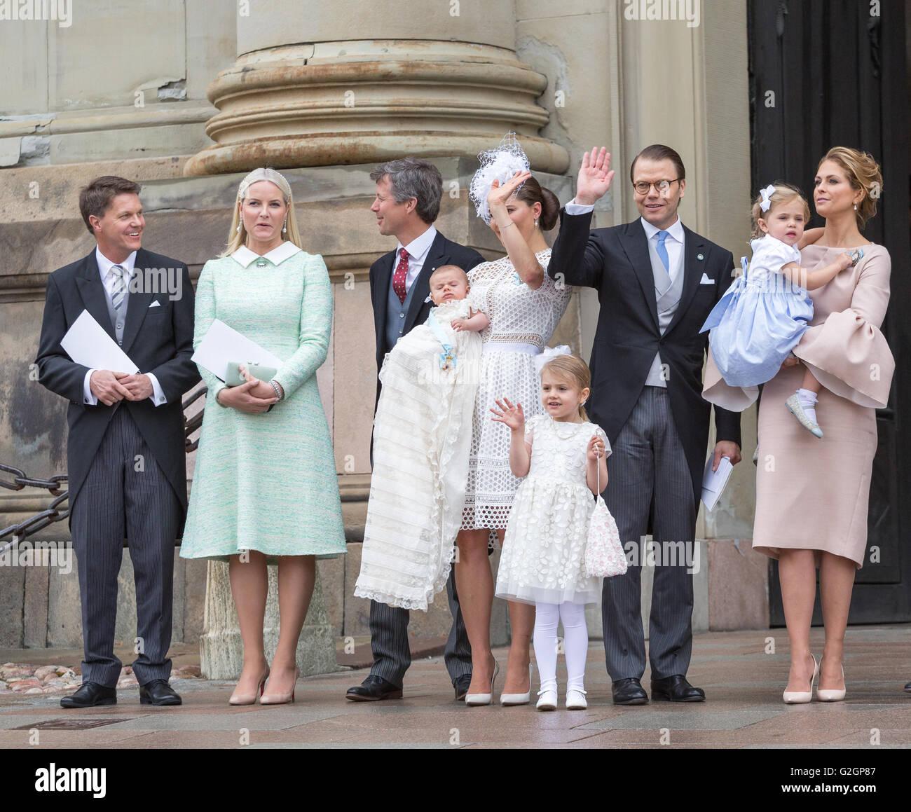 Baby-Prinz Oscar von Schwedens Taufe - Victoria, Daniel und Estelle Welle Stockbild