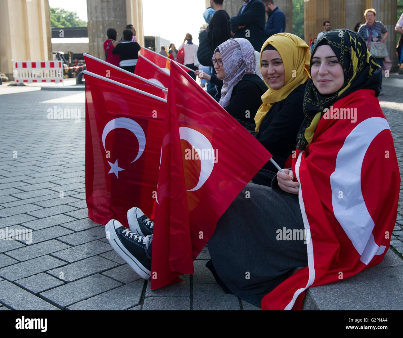 Türkische single frauen berlin Newsticker überregional - Mannheimer Morgen