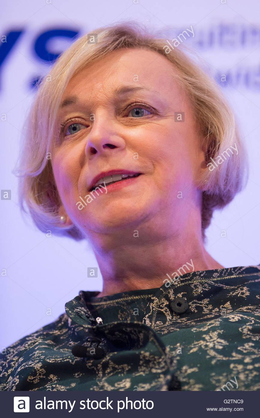 11.09.15 der Royal Mail Chief Executive Moya Greene, der in der Linie für eine in der Nähe von £ Stockbild