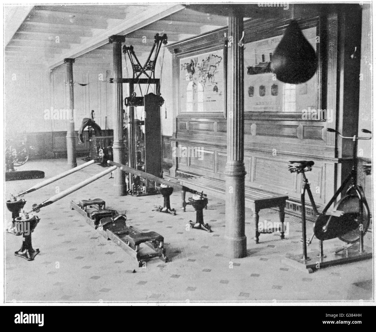Das Gymnasium der Titanic.          Datum: 1912 Stockbild