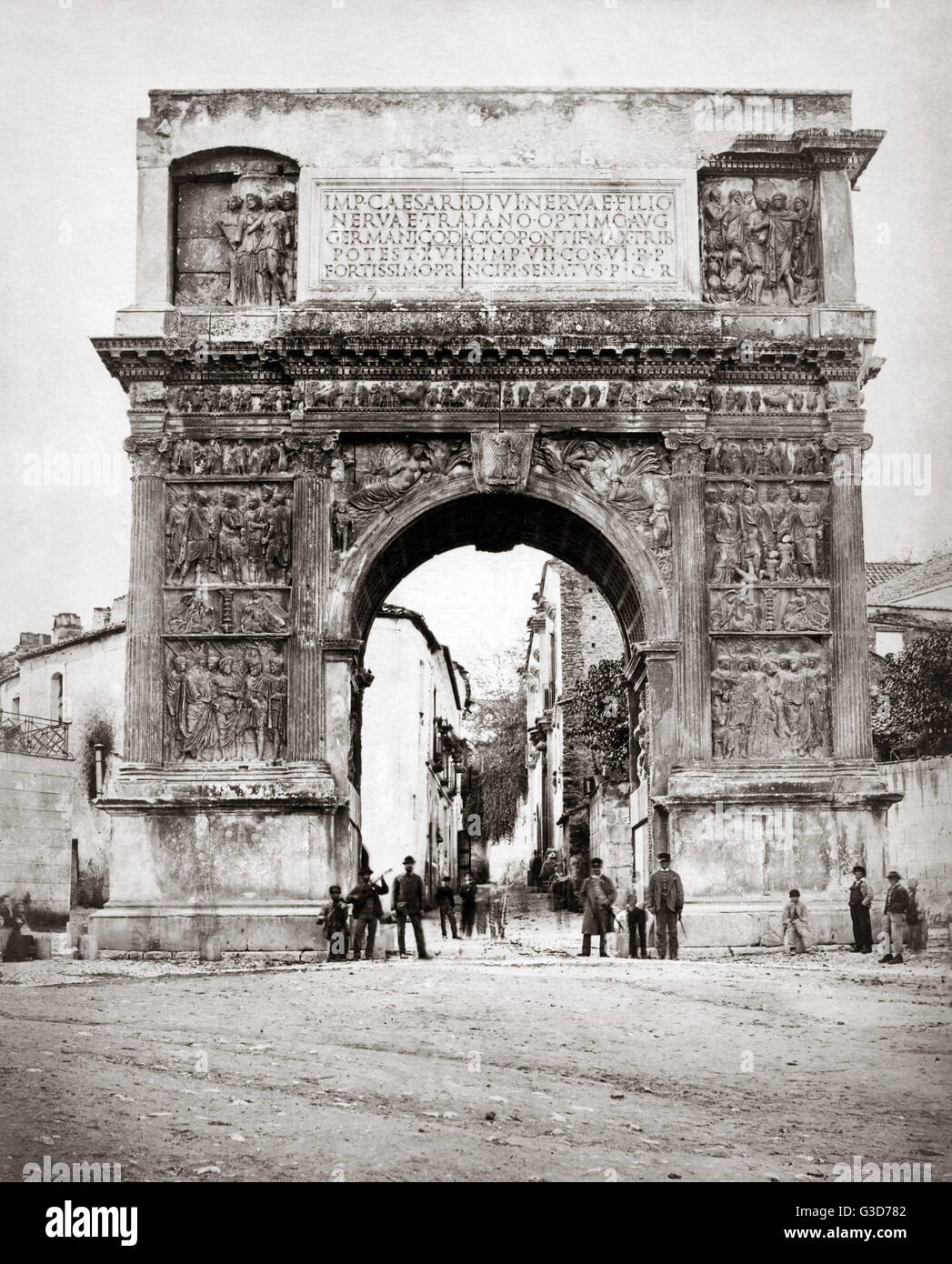 Der Trajansbogen, Benevento, in der Nähe von Neapel, Itlay, ca. 1870 s.     Datum: ca. 1870 s Stockbild