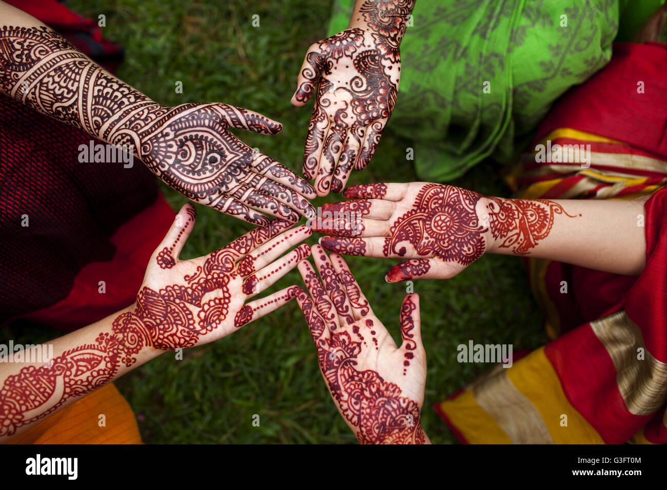 Hand Muslim People Praying Sunset Stockfotos & Hand Muslim People ...