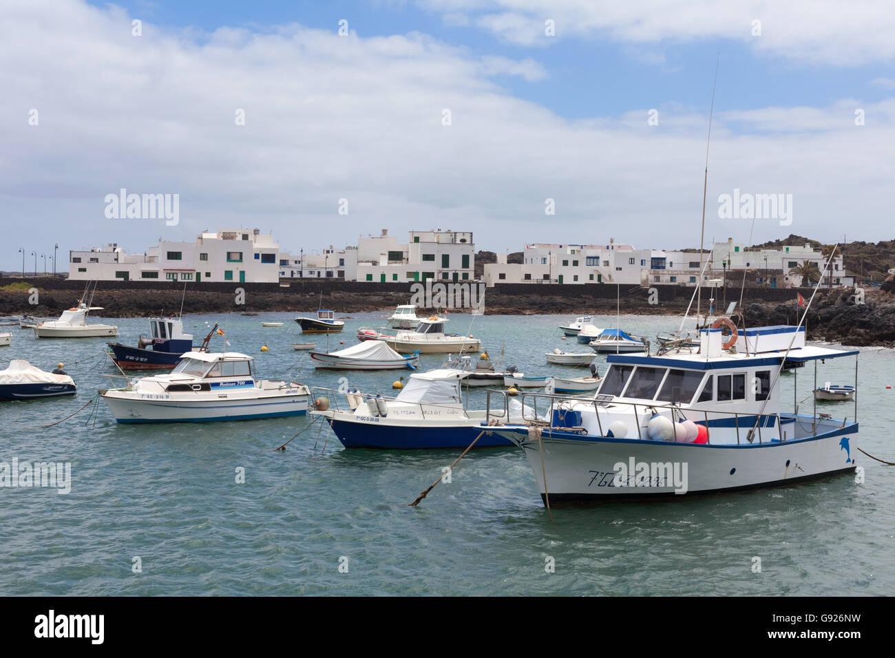 Hafen von Orzola und Hafen, nördlichen Lanzarote, Kanarische Inseln Stockbild