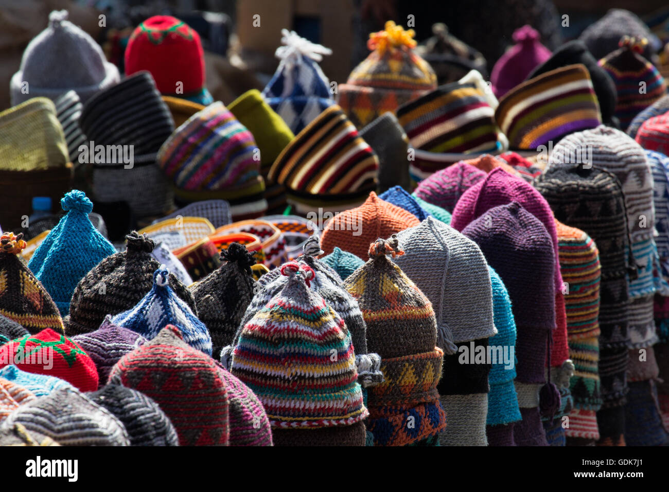 hats marrakech souk stockfotos hats marrakech souk. Black Bedroom Furniture Sets. Home Design Ideas