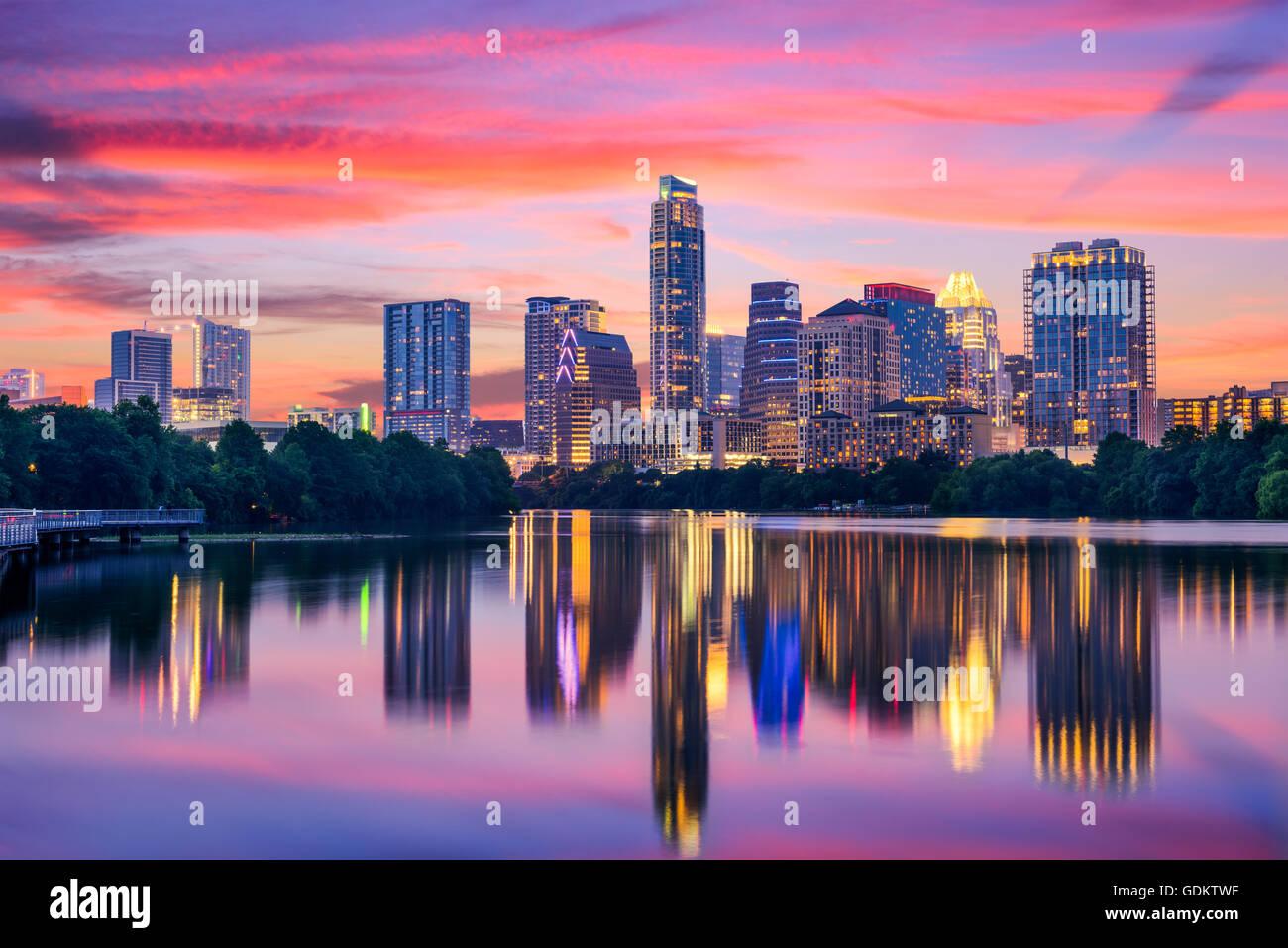 Austin, Texas, USA Skyline auf dem Colorado River. Stockbild