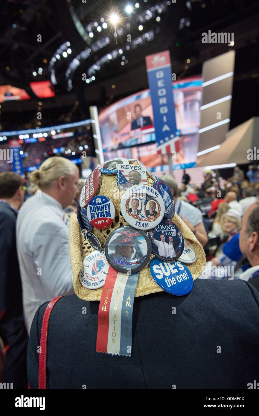 Cleveland, Ohio, USA. 19. Juli 2016. GOP-Delegierten während des zweiten Tages der Republican National Convention Stockbild