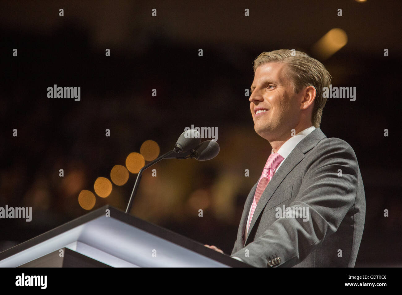 Cleveland, Ohio, USA; 20. Juli 2016: Eric Trump, Sohn von Donald Trump, spricht auf der Republican National Convention. Stockbild