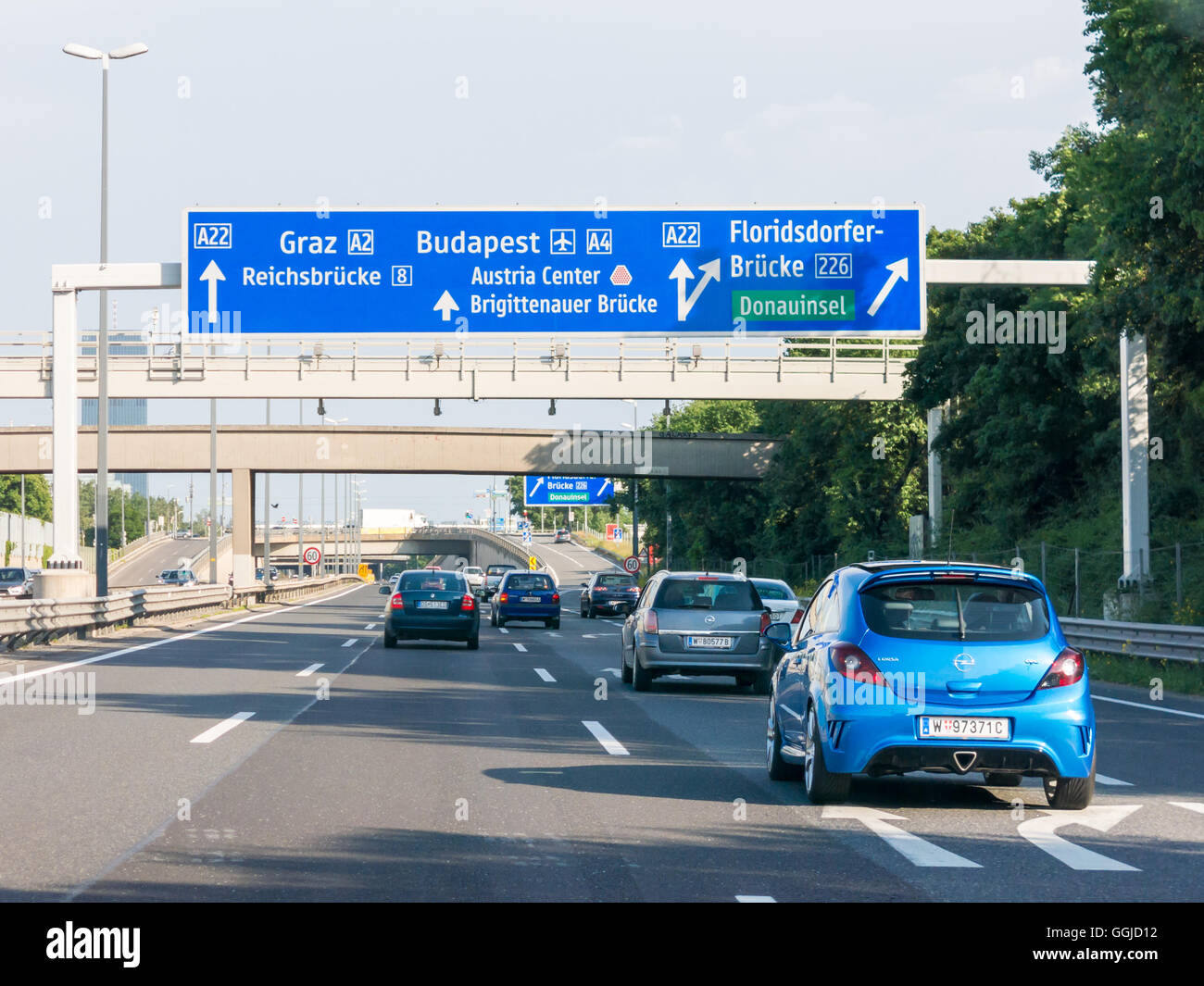 autobahn sign stockfotos autobahn sign bilder alamy. Black Bedroom Furniture Sets. Home Design Ideas