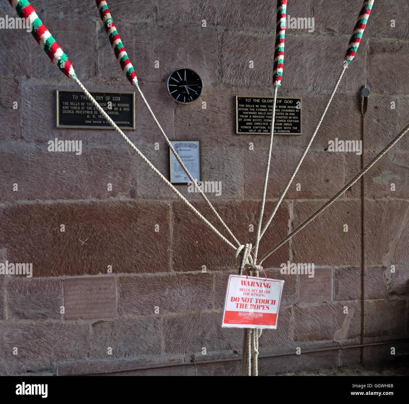 Laden Sie dieses Alamy Stockfoto Glocke Klingeln Seile, St. Marys Church, Gt Budworth, Cheshire, England, UK - GGWH8B