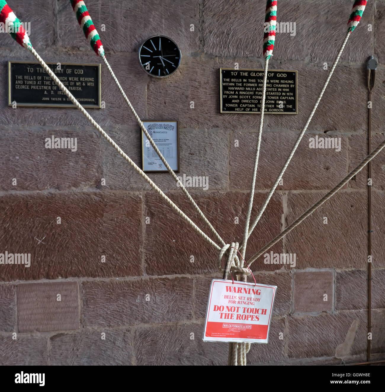 Laden Sie dieses Alamy Stockfoto Glocke Klingeln Seile, St. Marys Church, Gt Budworth, Cheshire, England, UK - GGWH8E