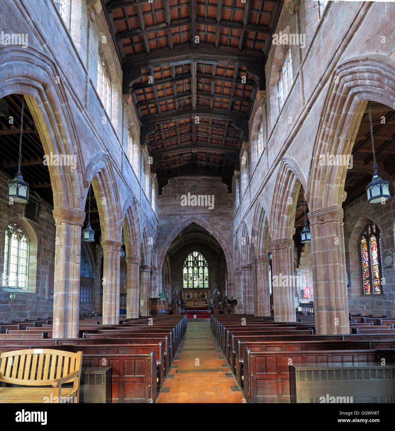 Laden Sie dieses Alamy Stockfoto St Marys & alle Heiligen Kirche Gt Budworth Interieur, Cheshire, England, UK - Blick zum Altar - GGWH8T