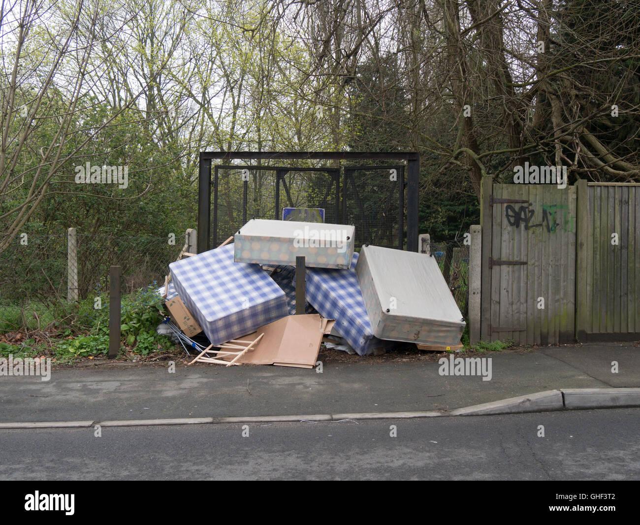 old london road kingston stockfotos old london road kingston bilder alamy. Black Bedroom Furniture Sets. Home Design Ideas