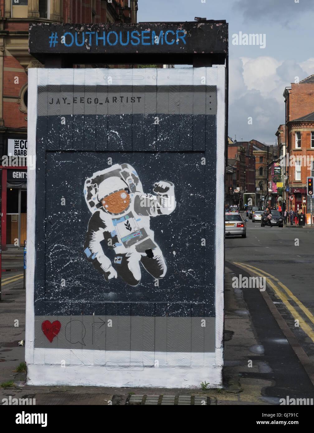 Laden Sie dieses Alamy Stockfoto Nördlichen Viertel Kunst in Stevenson Platz Manchester, UK - Wand Graffiti August2016 OUTHOUSEMCR - GJ791C