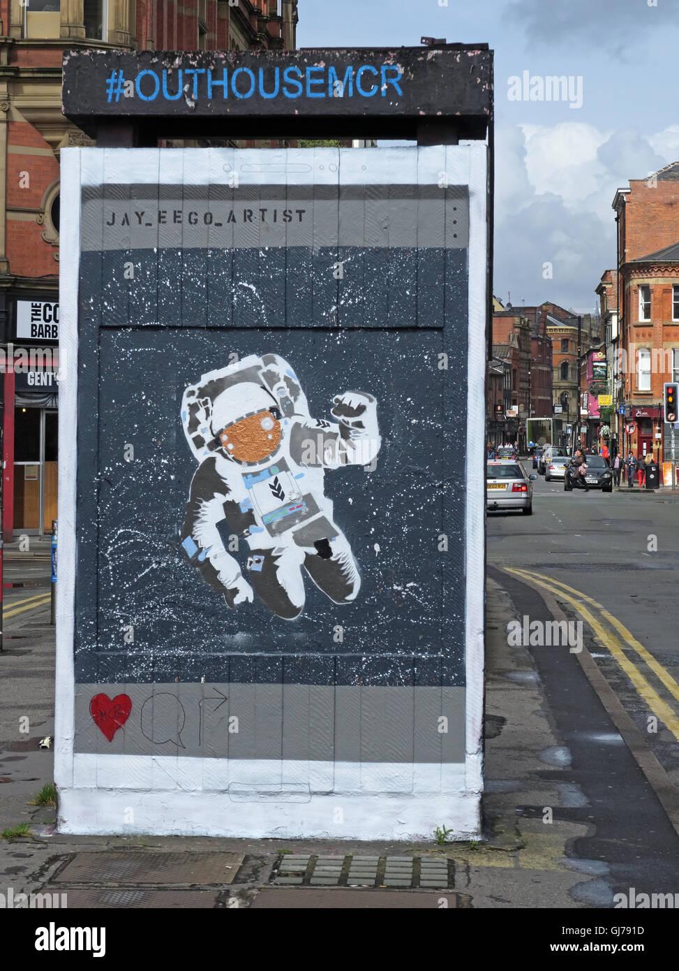 Laden Sie dieses Alamy Stockfoto Nördlichen Viertel Kunst in Stevenson Platz Manchester, UK - Wand Graffiti August2016 OUTHOUSEMCR - GJ791D