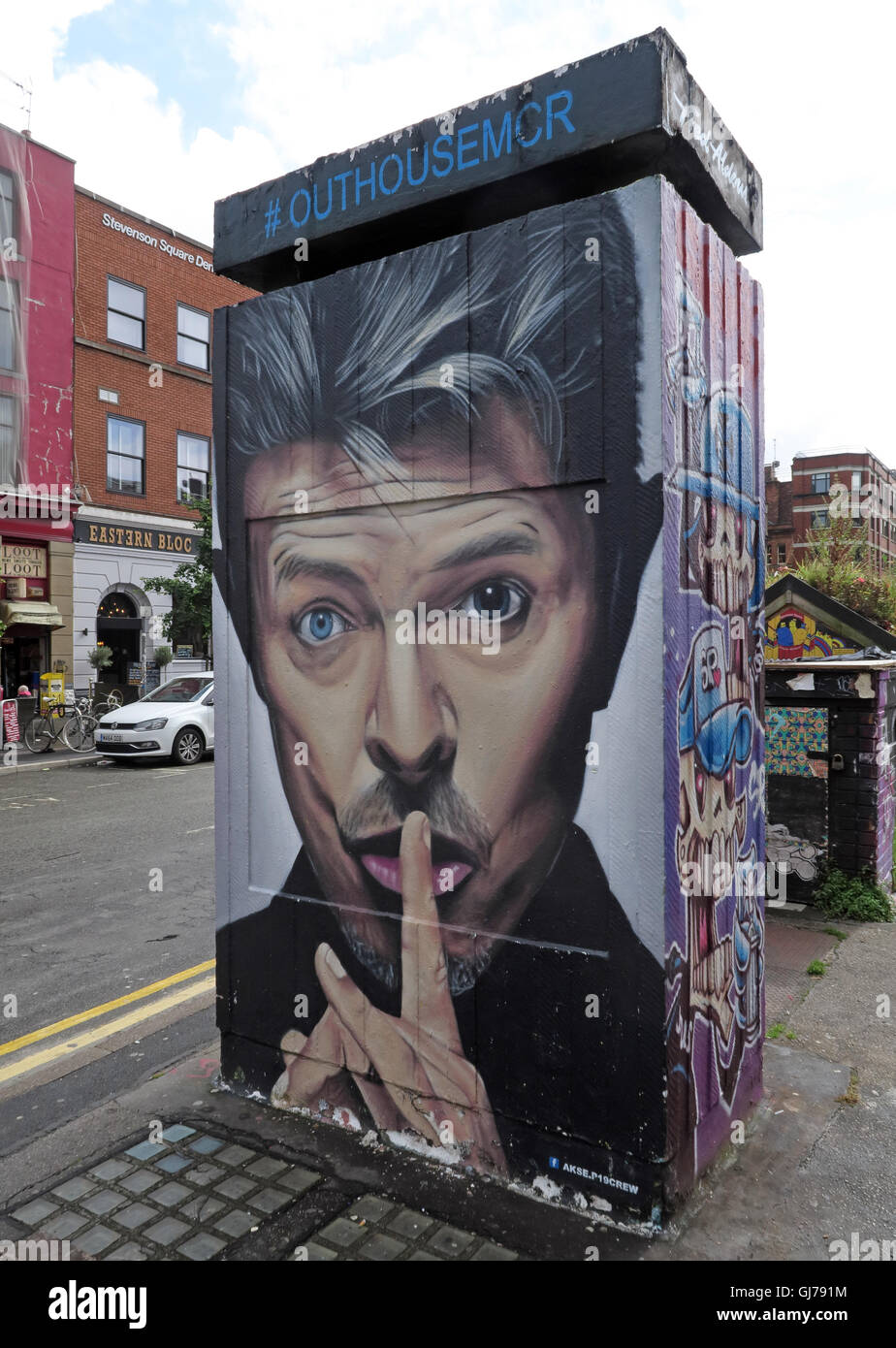 Laden Sie dieses Alamy Stockfoto Northern Quarter Kunst in Stevenson Square Manchester, UK-Wand Graffiti August 2016 von AKSE OUTHOUSEMCR - GJ791M